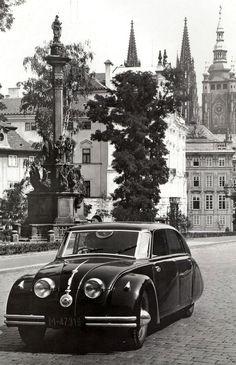 1934, Tatra T77