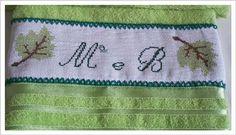 Toalha de lavabo casal ...bordada em ponto...por Telma Mendonça
