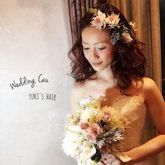 . . yukinaさんのダウンスタイル。 . 先程投稿した大人モヒカンの前に作ったスタイリング。 . 同じドレスで、同じブーケ。 .  ほら、イメージ全然違うでしょ? .  8分でイメージ変え。 . #プレ花嫁 さん、絶対ヘアチェンジは、出来るだけ沢山、沢山しましょ。 . この日にしか出来ない、 . 唯一、誰よりも輝ける日。 . 沢山、可愛いって、言われましょ! . 私の指名の花嫁様には、 . そうなってもらいたい。 . とにかく色んなスタイリングをしてあげたいです☺️ . . . #結婚式#二次会#花嫁#ヘアドレス#ヘアアレンジ#美容師#ブーケ#love#wedding#結婚#ヘアセット#メイク#ドレス#ウェディング