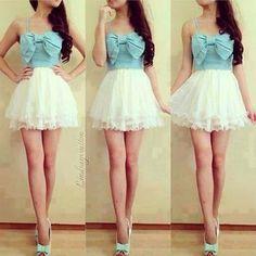 Vestido corto Celeste y blanco
