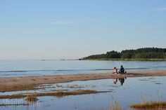 Place you must visit while travelling in Finland in the summer: Storsand beach in Uusikaarleby #visitfinland #travel #finland #travelfinland #explorefinland // Santun Maja blog