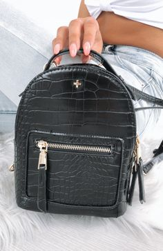 Discover the latest in women's bags, from backpacks to clutches, at White Fox Boutique USA. Shop online with express shipping available worldwide. Little Backpacks, Mini Backpack Purse, Latest Fashion For Women, Womens Fashion, White Fox, Women's Accessories, Me Too Shoes, Fashion Backpack, Boutique