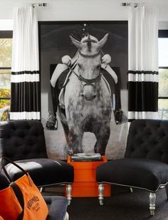 Bold black and white sitting room with Hermes accents by interior designer Megan Winters. Equestrian Bedroom, Equestrian Decor, Equestrian Style, Nordic Interior, Interior Design, Black Furniture, Equine Art, Tallit, Horse Art