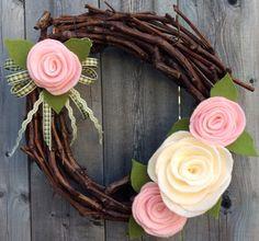 Felt Flower Wreath, Shabby Chic Wreath, Flower Wreath, Floral Wreath, Summer Wreath, Door Decor, Year Round Wreath, Fabric Wreath, Yarn by JAMDesignsNJ on Etsy
