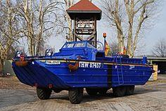 Amphibienfahrzeug - THW OV Germersheim - Hochwasseralarmzug Rheinland-Pfalz Old Trucks, Fire Trucks, Amphibious Vehicle, Fire Apparatus, United States Army, Emergency Vehicles, Fire Department, Police Cars, Ambulance