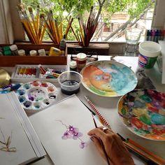 Morning!!  Aquarelando Orquideas no Studio  Watercoloring orquids int Studio #orquids #orquidea #watercolour #aquarela #studionoblesavage