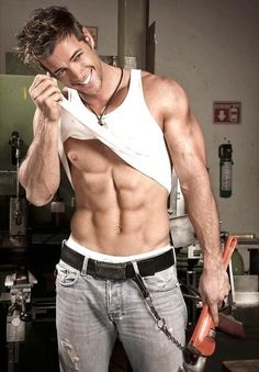 SEXY William Levy--This is the guy I think should play Christian Grey in 50 shades. William Levi, Hommes Sexy, Raining Men, Dancing With The Stars, Attractive Men, Good Looking Men, Male Body, Cute Guys, Gorgeous Men