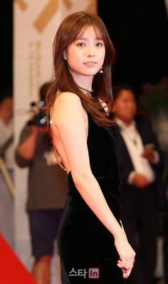 Han HyoJoo ♡ 한효주 at Busan Film Festival 161006 Bh Entertainment, Brilliant Legacy, W Two Worlds, Han Hyo Joo, Bae Suzy, Chinese Model, Film Awards, Korean Actresses, Best Actress