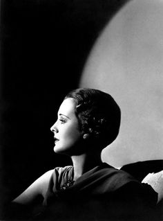 Mary Astor by George Hurrell. Old Hollywood Glamour, Vintage Glamour, Vintage Hollywood, Hollywood Images, Classic Hollywood, George Hurrell, Film Noir Photography, Vintage Photography, Film Noir Fotografie