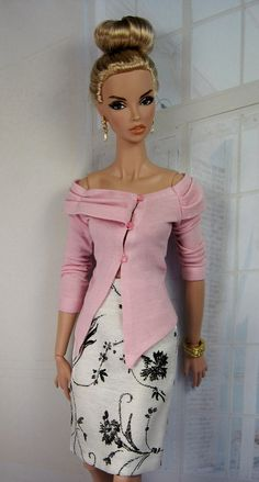 Knit top of fine pink pastel jersey and straight skirt. http://www.etsy.com/transaction/129991486
