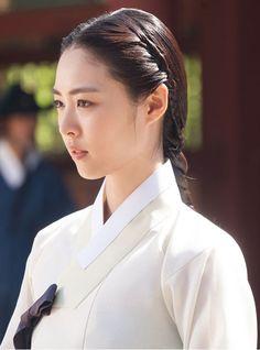 Korean Traditional Dress, Traditional Dresses, Korean Dress, Korean Outfits, Korean Beauty, Asian Beauty, Splendid Politics, Cha Seung Won, Kim So Eun