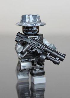 Future Urban Combat Trooper Minifigure