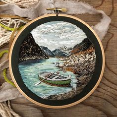 Super Ideas For Embroidery Hoop Art Fabric Modern Embroidery, Hand Embroidery Patterns, Diy Embroidery, Cross Stitch Embroidery, Embroidery Designs, Little Presents, Art Textile, Thread Painting, Fabric Art