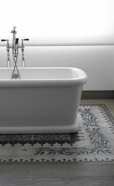 Great tile detail on bathtub surround
