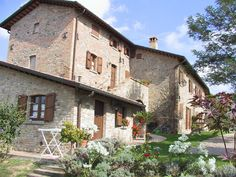 Holiday Farm House in Italy, Umbria. Between Montone and Assisi. The beautiful tipical House with swimming pool.