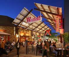 Several Stores Closing Their Doors At Westfield Valencia Town Center #santaclarita #KHTS #westfield #valencia
