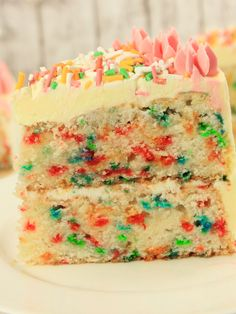 Bunte Konfetti-Torte mit Buttercreme von amerikanisch-kochenDE