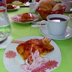 Así desayunaba hace unos días en #Supe cafecito pan y su respectivo tamal supano. Hoy toca avena 3 ositos y pan con Manty #Barranca #Lima #ViajaPE by guitarraviajera