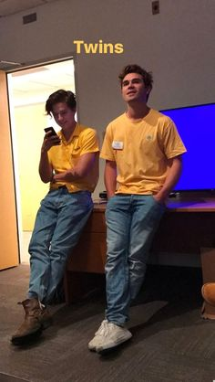 cole and dylan sprouse riverdale, cole sprouse, and kj apa image Kj Apa Riverdale, Riverdale Netflix, Riverdale Funny, Riverdale Archie, Riverdale Memes, Cole Sprouse Riverdale Wallpaper, Riverdale Cole Sprouse, Sprouse Bros, Dylan Sprouse