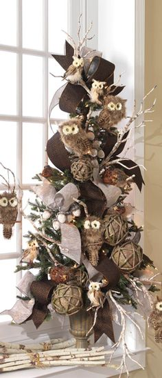 Rustic owl Christmas tree
