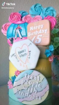 One Direction Birthday, One Direction Cakes, Harry Styles Birthday, Harry Birthday, 14th Birthday, Pretty Birthday Cakes, Sweet 16 Birthday, Birthday Party Themes, Comida De Halloween Ideas
