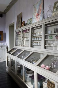 greige: interior design ideas and inspiration for the transitional home : French inspiration..