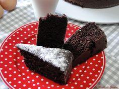 Torta al latte caldo al cioccolato - Ricetta con e senza Bimby