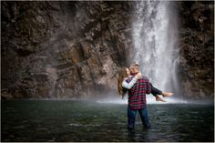 Franklin Falls Waterfall Engagement Photos | Seattle Wedding Photographers | Salt & Pine Photography | www.saltandpinephoto.com