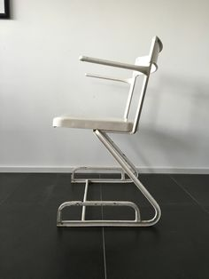 Alu Chair Flora Steiger-Crawford