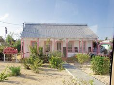 The Oldest Homestead, a beautiful and full of character Cayman style house in West Bay. The pink house:)