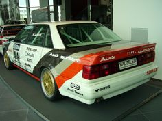 Mit diesem Wagen stieg Audi 1990 in die DTM ein Chevrolet Corvette, Corvette Cabrio, Audi V8 Quattro, Audi R8, Audi 1990, Ferrari 348, Rc Tank, Car Wrap Design, Porsche 356