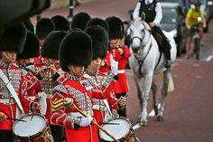 #ChangingTheGuard #СменаКараула #London #UK #England #Britain #GreatBritain #GB #Британия #Англия #Великобритания #2014 by yes.follow.me