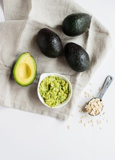 4 Amazing Avocado Recipes for Hair, Skin and Wrinkles : 1) Avocado-Oatmeal Facial Mask