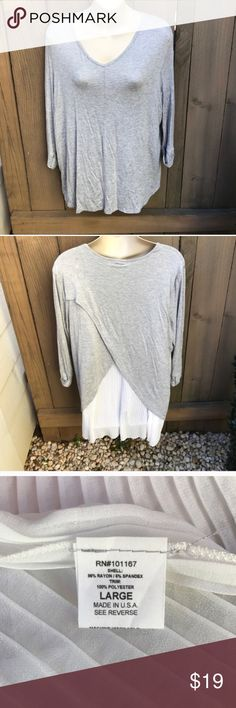 Cha cha vente tulip hem grey tunic top size PL Cha cha vente tulip hem grey tunic top size PL: armpit to armpit 20 in, shoulder to hem 29 in. bin 13 Cha Cha Vente Tops Tunics