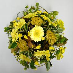 Yellow table centrepiece. Helen Allen. Verdila Yellow Table, Table Centerpieces, Floral Arrangements, Classic Style, Floral Wreath, Wreaths, Traditional, Flowers, Design