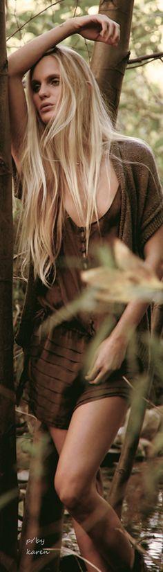 Boho Style ~ Hanalei Reponty shot by photographer Lotus Josephine for C-Heads Magazine Bohemian Soul, Hippie Boho, Boho Style, Boho Chic, Hanalei Reponty, Boho Beautiful, Youth Culture, Boho Hairstyles, Mermaid Hair