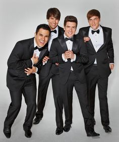 Carlos Pena Jr., James Maslow, Logan Henderson, and Kendall Schmidt from Big Tim