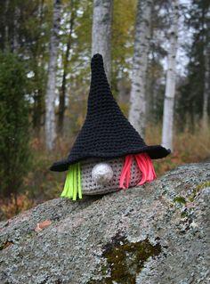 Free pattern: Halloween Witch!
