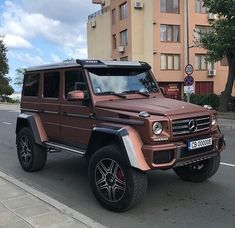 G-wagon for every ambitious person! Luxury World Cars - Cars of the day, everyday is the car day! Your daily source of luxury cars. You can also visit our site if you are looking for high-class luxury car keychains. Maserati, Bugatti, Dream Cars, My Dream Car, Mercedes G Wagon, Lux Cars, Top Luxury Cars, Bentley Continental Gt, Car Goals