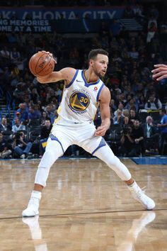 Stephen Curry of the Golden State Warriors handles the ball against the Oklahoma City Thunder on November 22 2017 at Chesapeake Energy Arena in. Basketball Games For Kids, Basketball Goals, Basketball Players, Basketball Hoop, Basketball Memes, Basketball Stuff, Basketball Leagues, Stephen Curry Basketball, Nba Stephen Curry