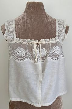 White Lace Tank Top, Chevron Ribbon, Types Of Lace, Lace Camisole, Summer Blouses, Everyday Outfits, Lingerie, How To Wear, Cotton