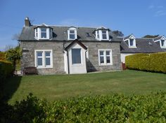 Mont Stewart House- a stunning property located centrally within Whiting Bay, close to all the local amenities. Spectacular views. Sleeps 7. Pet Friendly.