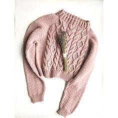 Кроп-свитер из шикарного итальянского мериноса цвета пыльная роза Отправился к своей новой хозяйке, ждем фото на ней! Повторить в любом цвете - 9000 рублей!