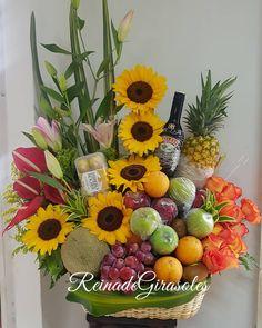 Basket Flower Arrangements, Floral Arrangements, Fruit Centerpieces, Fruit Flowers, Manzanita, Fruits Basket, Diy Wedding Decorations, Pink Candy, Gift Baskets