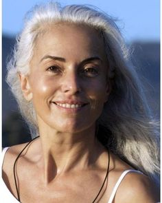 Yasmina Rossi is 59 years old and sporting long white hair, but that's not stopping her from still having a successful career as a fashion model. Long White Hair, Silver Grey Hair, Silver Age, Yasmina Rossi, Silver Haired Beauties, Beauty Over 40, Beautiful Old Woman, Simply Beautiful, Beautiful People