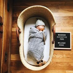 Baby announcement photo idea