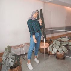 Coffee is a language in itself☕ Modern Hijab Fashion, Street Hijab Fashion, Hijab Fashion Inspiration, Muslim Fashion, Fashion Outfits, Casual Hijab Outfit, Hijab Chic, Ootd Hijab, Modele Hijab