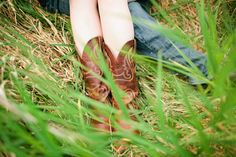 Country Engagement shoot    Cowboy boots    Trembley Photography