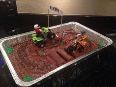 Dirt bike and quad cake Fifth Birthday Cake, Bear Birthday, Birthday Cakes, Birthday Ideas, Cupcake Icing, Cupcake Cakes, Cupcake Ideas, 4 Wheeler Cake, Hot Dog Spaghetti