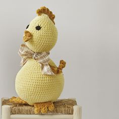 You only need 3 balls of Katia Bambi and to know the basic crochet stitches to make this amigurumi chick, or chicken. You can see how to work all the stitches in our videos under the Katia Academy section. Basic Crochet Stitches, Crochet Basics, Crochet Patterns, Bambi, 3 Balls, Baby Winter, Baby Toys, Lana, Teddy Bear